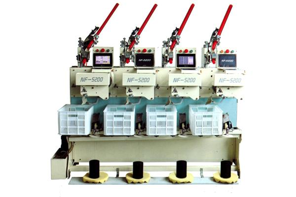 N F 5 2 0 0全自动倒线机 设备具有线速度快,产量高,是普通机的4—5倍。